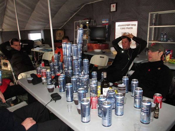 Finisher Table at Camp Barneo after the North Pole Marathon: 10 people, 9 nations.